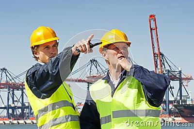 De arbeiders van de haven