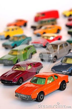 De auto s van het stuk speelgoed