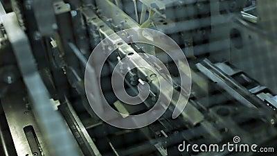 De automatische boeken van de machinedruk, compensatie en foto gedrukte producten stock videobeelden