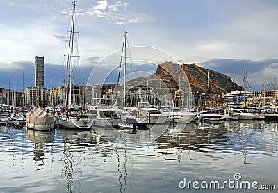 De baai van het jacht van Alicante