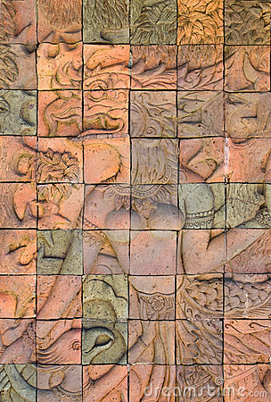 De bakstenen muur verfraait in tempel