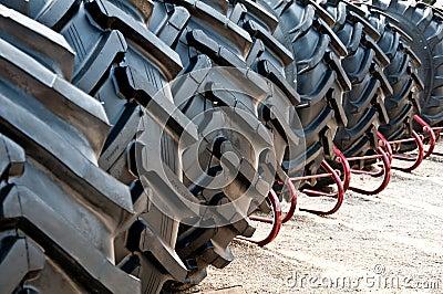 De banden van de tractor