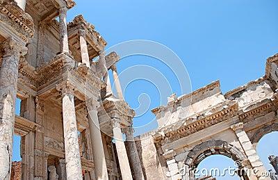 De bibliotheek van Celsius in Efesus dichtbij Izmir, Turkije