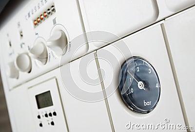 De boilerdruk van de centrale verwarming