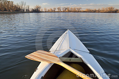 De boog en de peddel van de kano