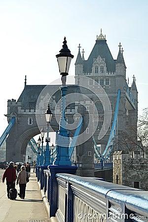 De Brug van de toren: lantaarn perspectief Redactionele Foto