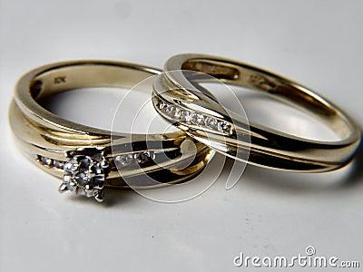 De bruiden