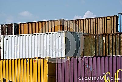 De containers van de vracht