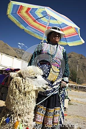 De Dame van de lama Redactionele Foto