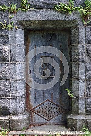 De Deur van het mausoleum