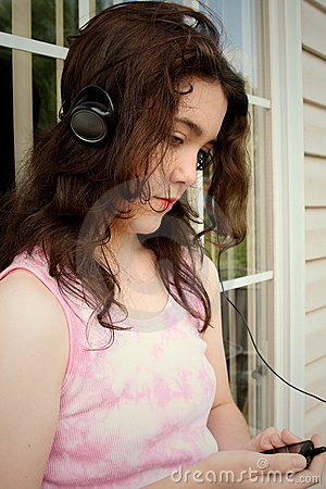 De droevige muziek van de tiener mp3