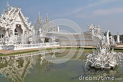 De fantastische Witte Tempel van de schoonheid