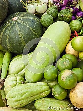 De groenten verstrekken voedingsmiddelen.