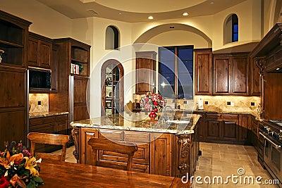 De grote nieuwe keuken van het huis stock foto afbeelding 10015830 - Keuken uitgerust m ...