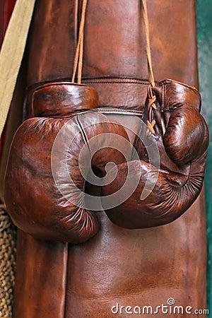 De handschoenen van de bokser