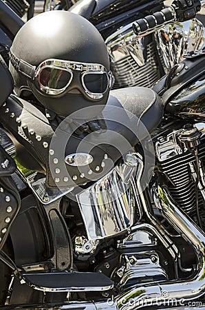 De Helm van de motorfiets