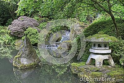 De japanse vijver van de tuin stock foto afbeelding 14777170 - Foto van tuin vijver ...