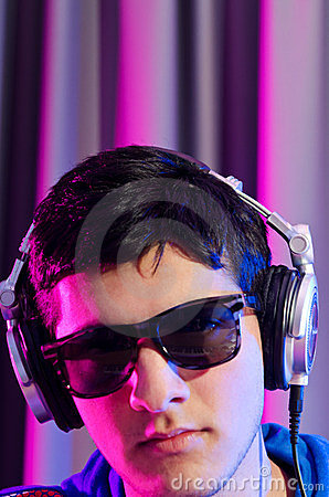 De jonge speelmuziek van DJ
