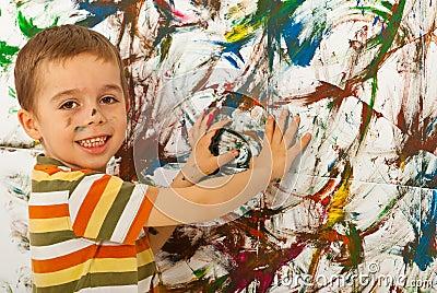 De jongen van het kind het schilderen muur met handen royalty vrije stock foto 39 s afbeelding - Ruimte van de jongen kleur schilderen ...