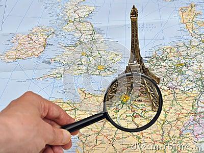 De kaart van Frankrijk, de miniatuurtoren van herinneringsEiffel, Parijs