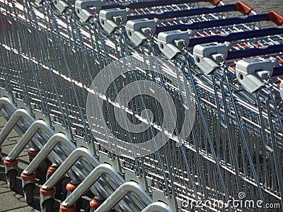 De karretjes van de supermarkt