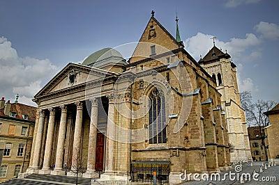 De Kathedraal van heilige Peter en de Kapel van Maccabees
