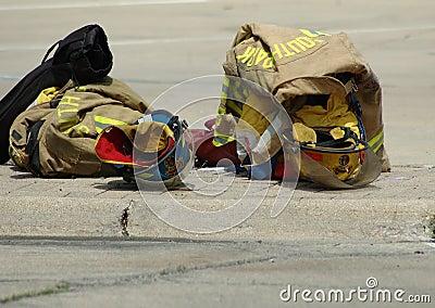 De Kleding van brandweerlieden