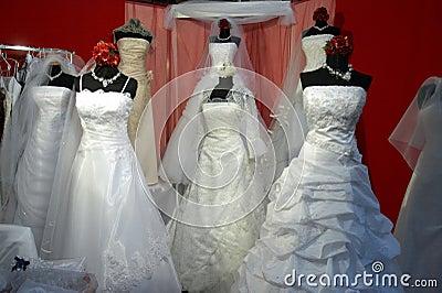 De kledingsopslag van huwelijken
