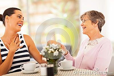 De kleindochter van de grootmoeder