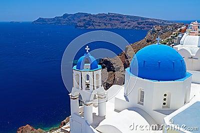 De Koepels van de kerk van Santorini, Griekenland