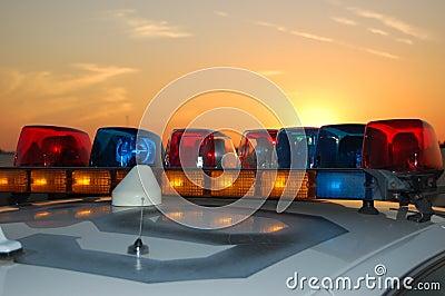 De lichte staaf van de zonsondergang