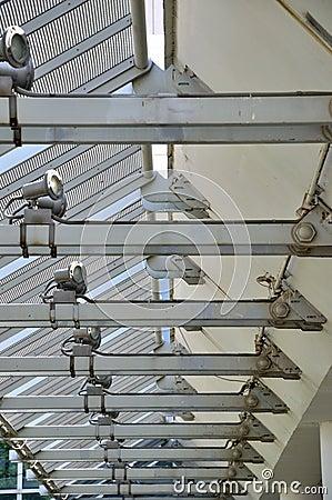 De lijn van het perspectief van de bouw van de staalstructuur