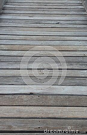 De madeira