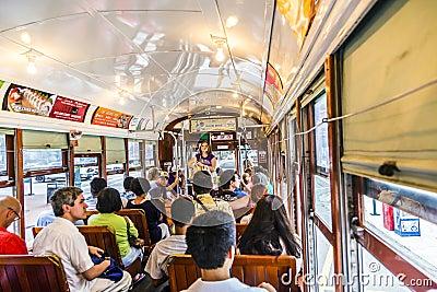 De mensen reizen met beroemde oud Redactionele Stock Foto