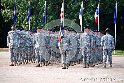 De Militairen van de V.S. bij Graduatie van Fundamentele Opleiding Redactionele Stock Foto