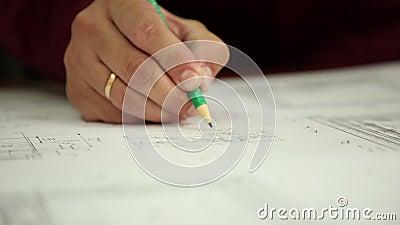 De nota aan de tekening stock video