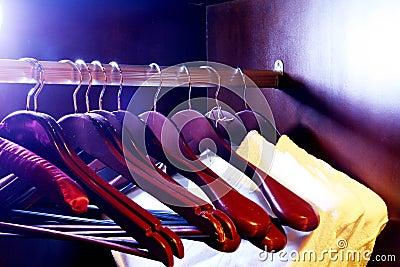 De opslag van kleren - hangers