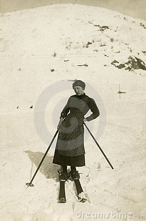 De originele antieke foto van 1900 - skiër