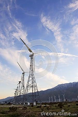 De oude Turbines van de Wind
