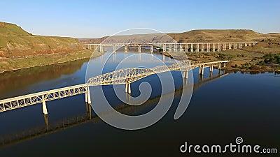 De Palouse och ormfloderna konvergerar den Lyons färjan Washington Bridges stock video