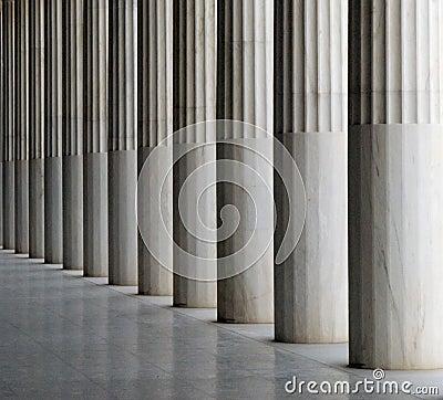 De pijlers van Stoa van Attalos