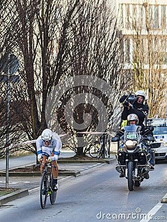De Proloog van Fietsermarcel Kittel- Parijs Nice 2013 in Houilles Redactionele Foto
