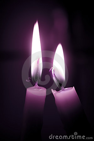 De purpere Kaarsen van de Liefde