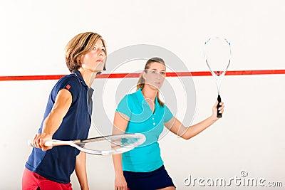De racketsport van de pompoen in gymnastiek, de vrouwenconcurrentie