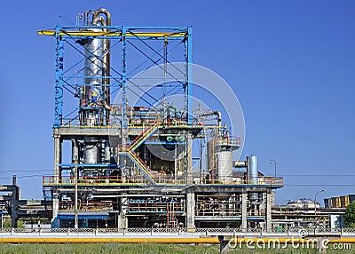 De raffinaderij van de olie