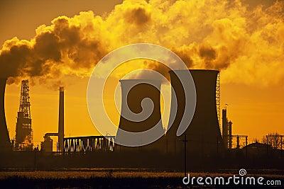 De raffinaderijverontreiniging van de olie