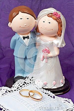 De ringen van huwelijken en het paar