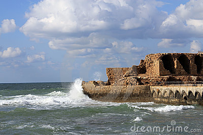 De ruïne in het Overzees