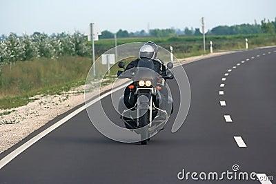 De ruiters van de motorfiets