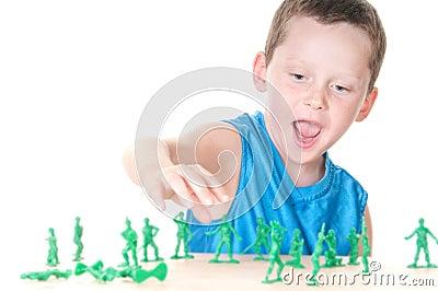 De speeloorlog van de jongen
